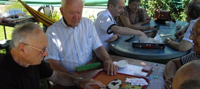Après-midi cartes pour le Roseau