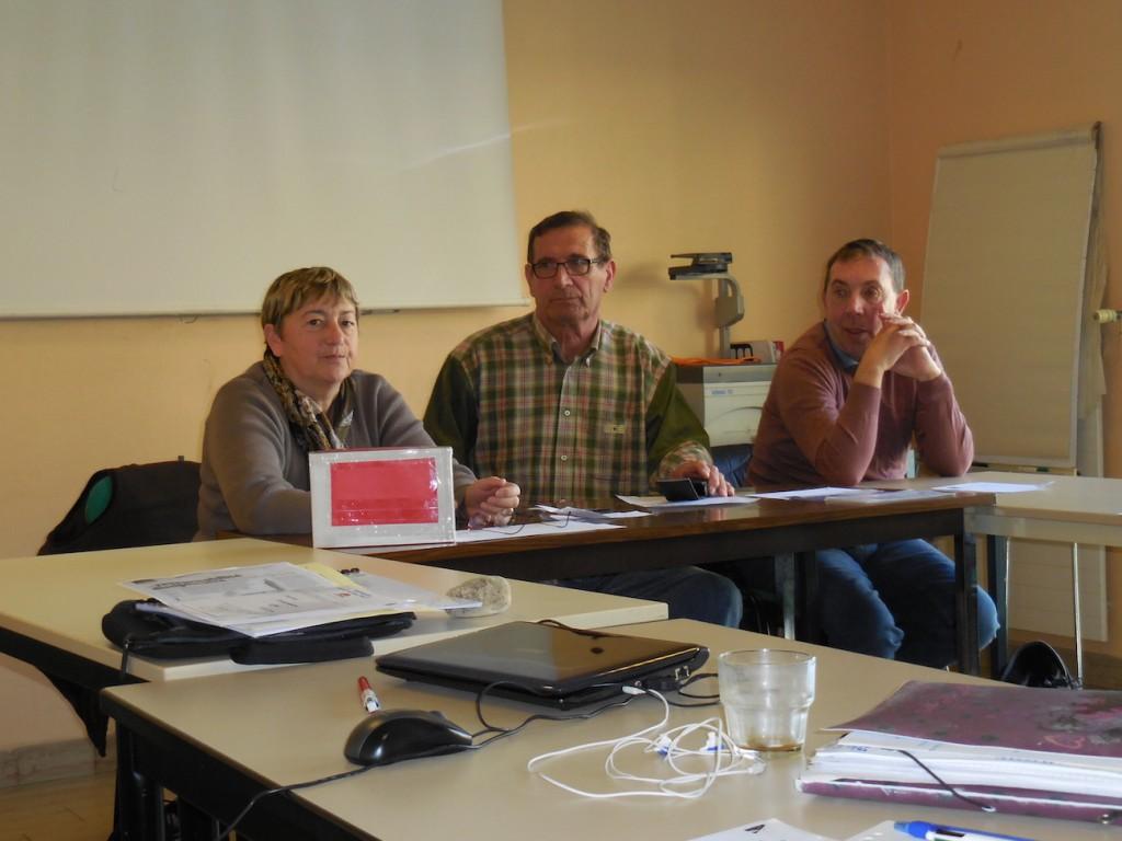 Geneviève, Philippe et Daniel sont allés à l'Ecole de Tournon pour parler de l'aphasie