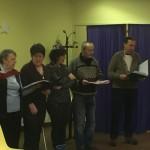 Pour finir l'après-midi, la Chorale du Roseau a poussée la chansonnette