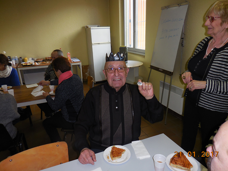 Les adhérents du Roseau ont partagé une part de galette tous ensemble pour une après-midi conviviale