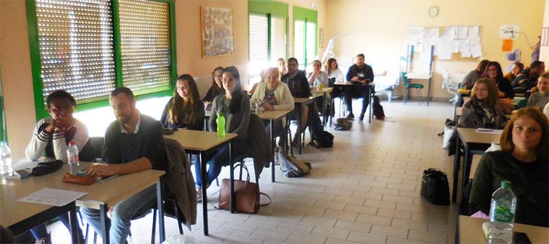 Avec ces conférences, les bénévoles du Roseau informent et donnent des conseils aux futurs aides-soignants